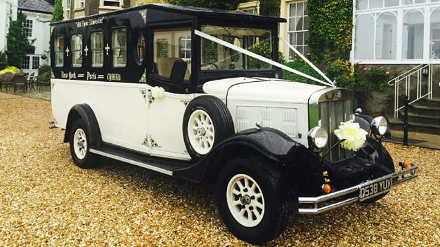 Arriving In Style – Classic and Fun Wedding Cars