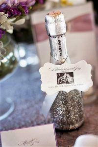 champagne wedding favours-best-wedding-favors