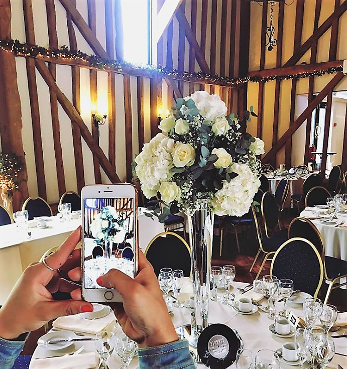 Should Mobile Phones Be Banned From Wedding Ceremonies?