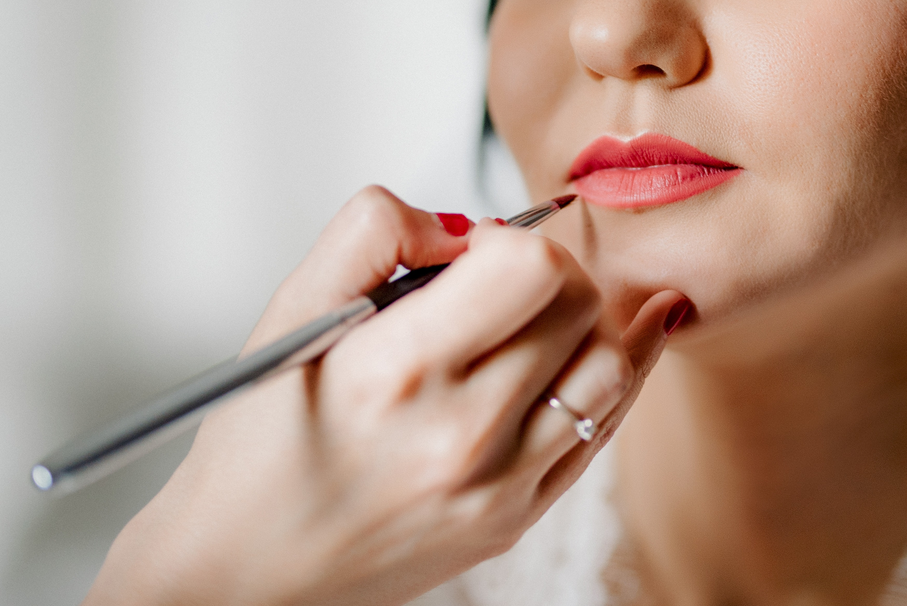 How To Perfect Your Own Wedding Makeup